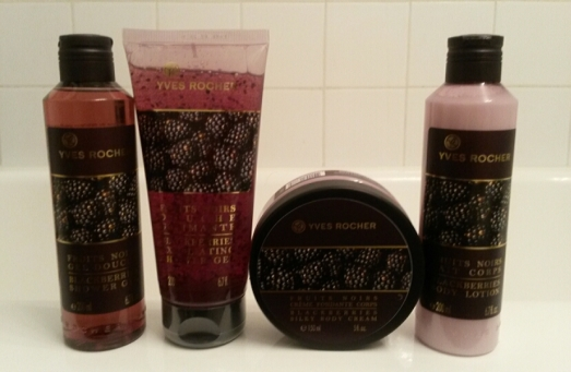 Gamme corps aux Fruits Noirs d'Yves Rocher